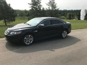 2010 Ford Taurus SEL - AWD Sedan