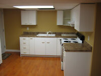 Nice 2bdrm triplex behind city hosp, all included!!