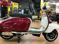 Royal Alloy TG 125cc S a Modern Classic Retro Automatic Moped Scooter