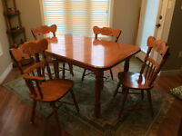 MUST have Dining table and chairs with 2 leaves