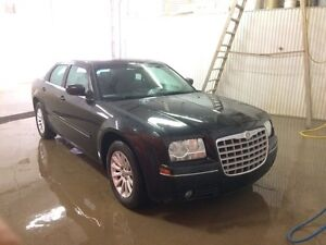 2005 Chrysler 300 - $3300 for a quick sell!!!