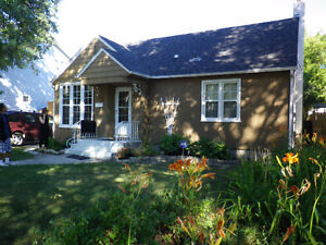Rooms in House to Rent, Elm Park, Old St Vital