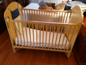 Baby crib /bed