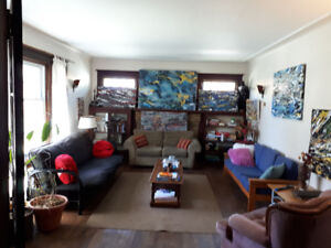 Awesome room right near Dalhousie. $550 all included.