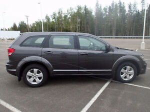 2013 Dodge Journey DVD SUV, Push Start 4 cylinder great on gas!