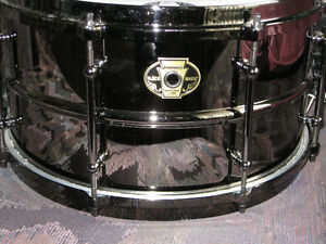 "à vendre snare ludwig black magic brass 13"" 7"