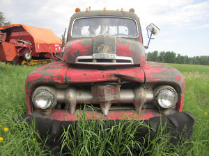 1952 Ford 1 ton C and C