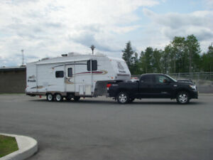 FIFTH WHEEL PROWLER 275CK 2004