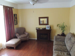 Very Large 2bedroom unit - Full Bath and Balcony