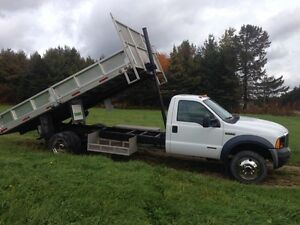 Ford F-550 2006  4x4 diesel pick up dompeur