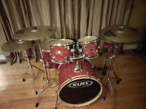 Mapex QR series 5 piece drum set with hardware & Sabian cymbals