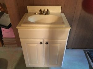Vanity with top and taps