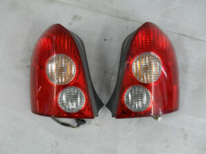 Tail light - Lumieres Arrieres MAZDA PROTEGE 5  2002 a 2003