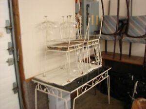 WROUGHT IRON VINTAGE SUNROOM TABLE & CHAIRS