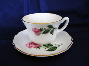 TASSE SOUCOUPE..REINE DES ROSES...QUEEN OF ROSES ..CUP/SAUCER