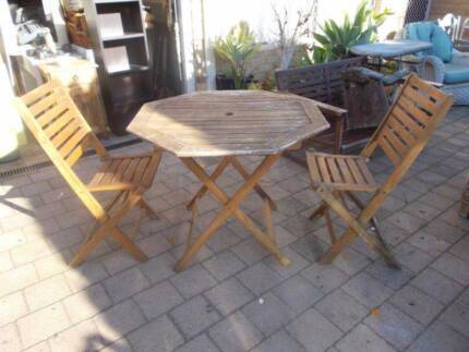 Old Timber 2 Seat Outdoor Setting Beckenham Gosnells Area Preview