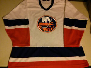CCM NHL New York Islanders mens XL mesh jersey $30