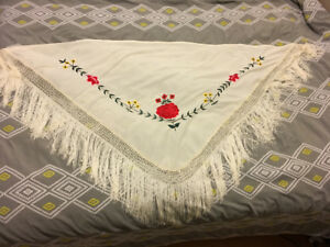 4 châles flamenco -  scarves - mantones -$25