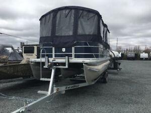 Godfrey Sweetwater  PONTOON  Boat 2286  **115HP**