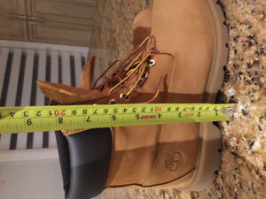 "Men's 8"" wheat coloured timberland boots size 9"