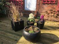 Set of 4 garden pots planters black resin contemporary very attractive