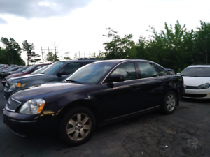 07 FORD FIVE HUNDRED  ONE OWNER. NEW MVI. 88000 KM AWD
