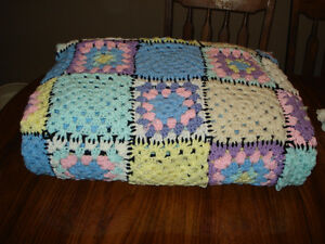 5 hand made knitted blankets