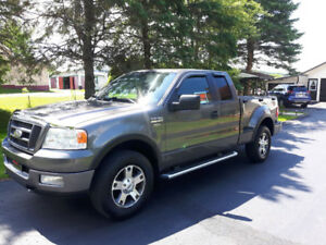 Ford f 150 fx4 2005 comme neuf bas millage et moteur neuf oui