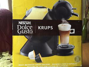Machine à café espresso, capucino KRUPS de Nescafé comme neuve