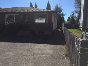 3 Bedroom Main Floor (Near Blvd Lake, Utilities included)