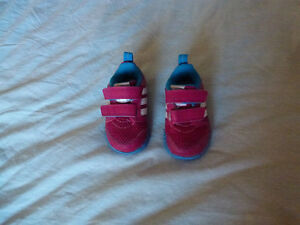 Adidas Toddler Shoes size 4 with box