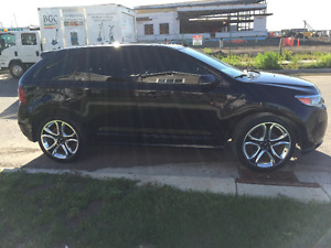2013 Ford Edge Sport in excellent condition