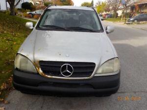 2000 Mercedes-Benz M-Class VUS  - ML 320