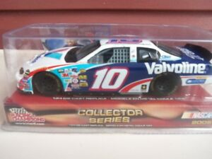 2005 Nascar #10 Scott Riggs 1:24 Diecast Car---Never Opened!