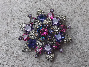 Vintage Signed WEISS Brooch