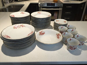 CHINA SET DISHES MADE IN ROMANIA ENSEMBLE VAISSELLE PORCELAINE West Island Greater Montréal image 1
