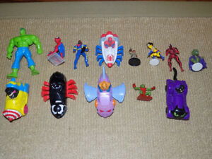 13 MIXED SUPERHERO FIGURES LOT MCDONALDS SPIDER-MAN, VENOM, HULK