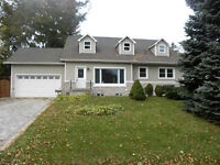 HUGE 3 BDRM IN OLDE ANCASTER