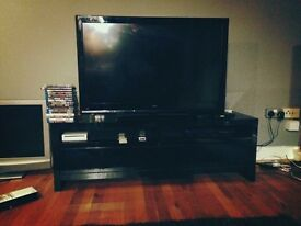 Massive 42inch 3D TV + Blu-Ray 3D dvd Player + 16x 3D DVDs + 4 3D Glasses +2 Remotes