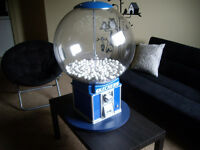 Large gumball machine in mint condition $50 OBO