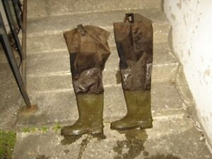 SIZE 9 HIP WADERS