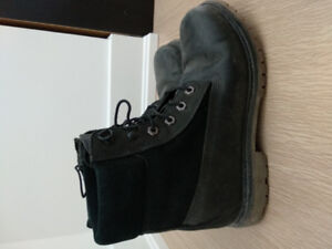 Timberland boots Women size 9 in black