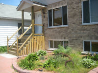 Executive Townhouse quick access to hospital/ QEW- available now