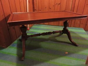 1 DUNCAN FYFE STYLE COFFEE TABLE WITH CLAW FEET GREAT CONDITON