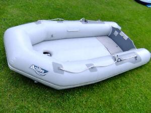 Achilles LSI  104    Top Hypalon  Inflatable Boat MINT