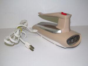 Vintage Almond Beige Chrome Retro GENERAL ELECTRIC GE Hand Mixer