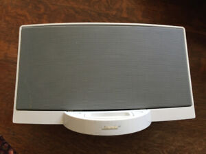 BOSE SoundDock digital music system iPod iPhone