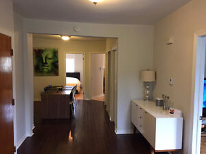 Top floor apartment in St-Henri with parking and balcony !!