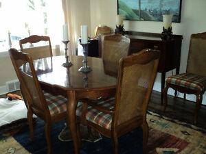 Elegant walnut dining table and 6 chairs