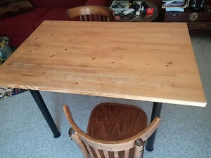 IKEA Table and 4 chairs - very portable